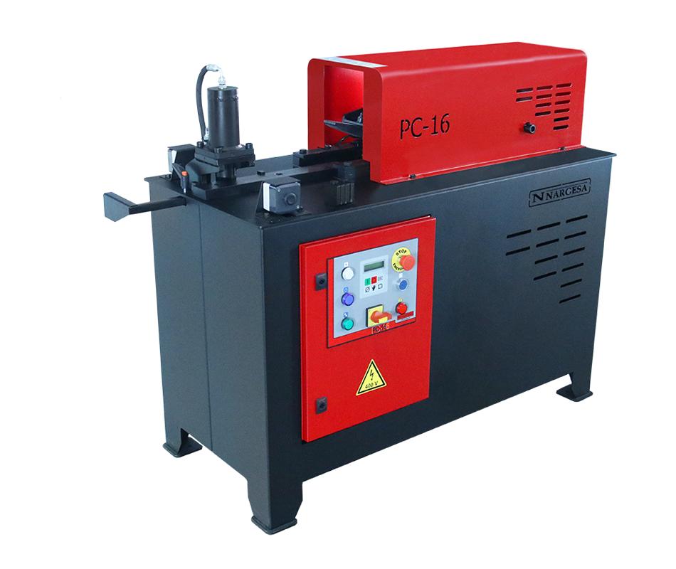 La machine de forgeage à chaud Nargesa PC16, réalise les pointes en escargot sur barre ronde, carrée ou sur platine de différentes mesures
