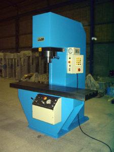 presse hydraulique à col de cygne hydrogarne série CD 80 t