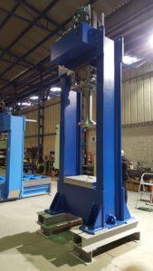 presse hydraulique d'atelier hydrogarne série SD 150 T