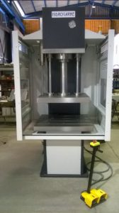 presse hydraulique à col de cygne hydrogarne série CM 100 t